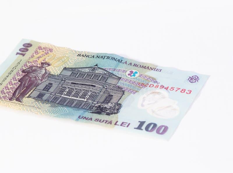 相当在白色背景隔绝的100罗马尼亚列伊价值的一张钞票 库存图片