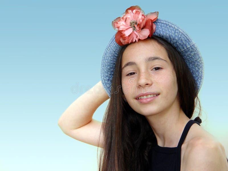 Download 相当女孩 库存照片. 图片 包括有 蓝色, 逗人喜爱, 少年, 人们, 青少年, 女孩, 微笑, 查出, 相当 - 61286