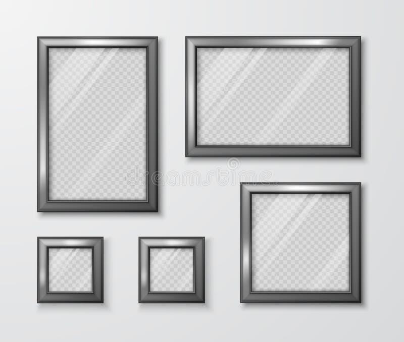 相框的汇集在灰色墙壁上的 与透明玻璃和阴影的现代空的框架模板 r 皇族释放例证