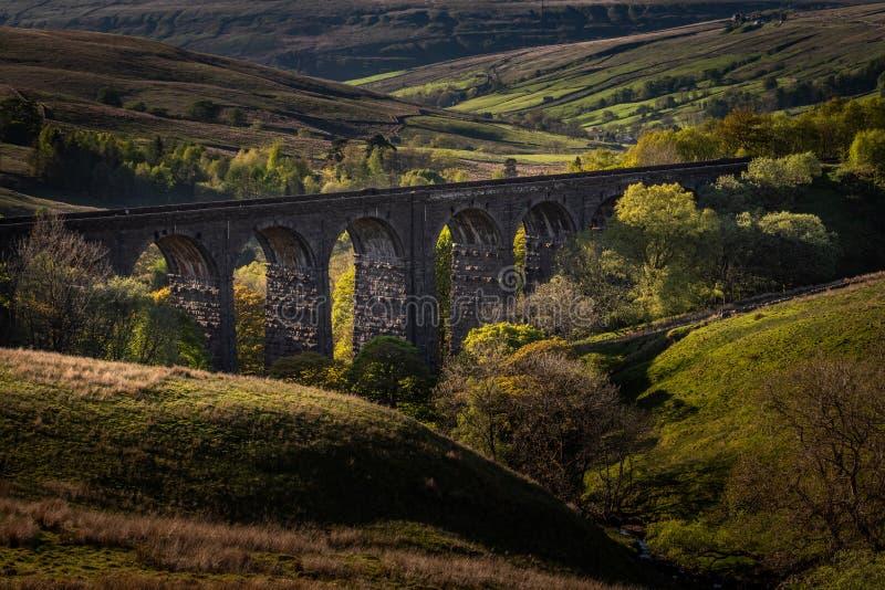 看下来在凹痕头铁路高架桥 库存照片