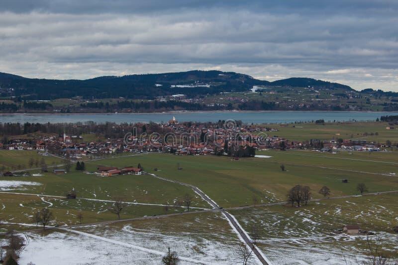 看从城堡,巴伐利亚,德国的施万高全景 免版税库存照片