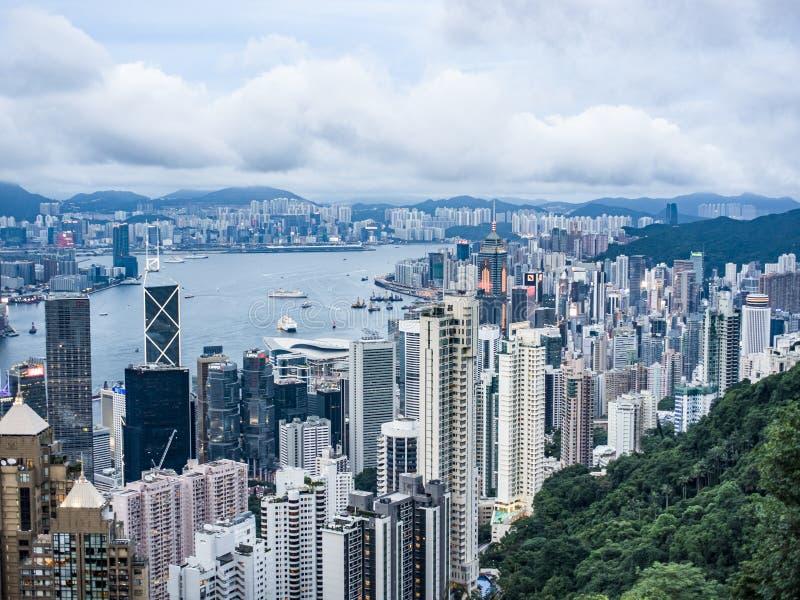 看从维多利亚峰顶的维多利亚港口在香港 库存照片