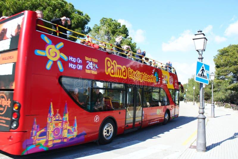 看到视域的公共汽车 免版税图库摄影