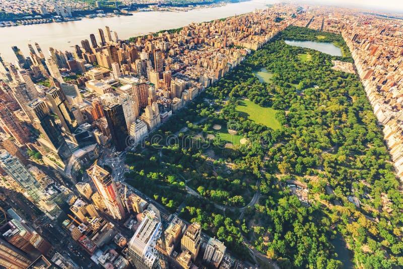 看北部中央公园的曼哈顿鸟瞰图 库存照片