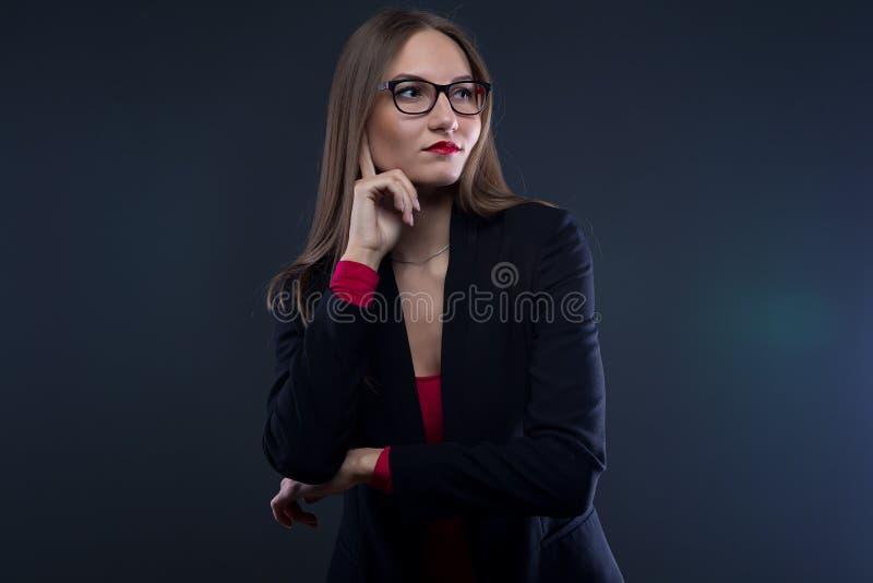 看想法的妇女的照片  免版税库存图片