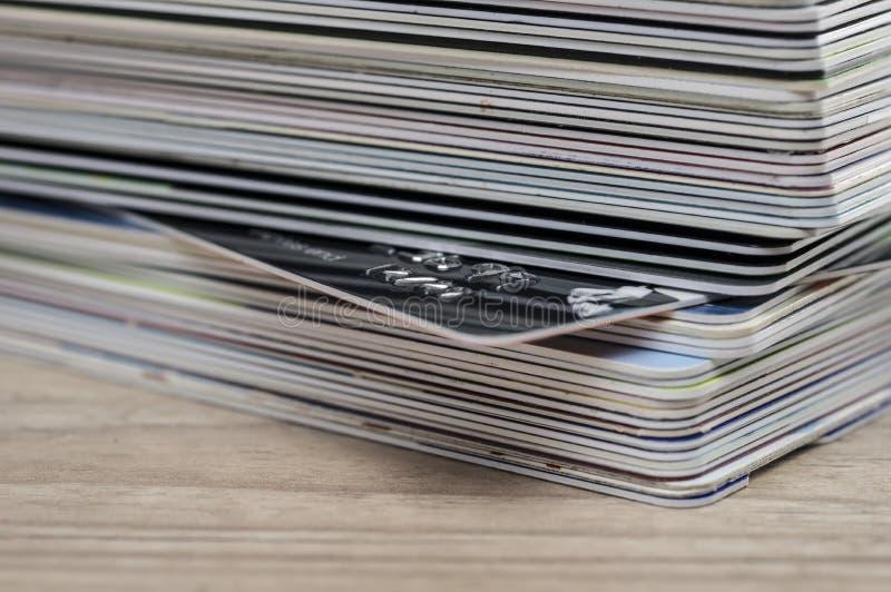 看板卡赊帐重点宏观缩小的堆视图 免版税图库摄影