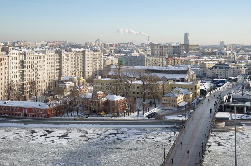 看法从上面莫斯科和家长式桥梁,莫斯科,俄罗斯 库存照片