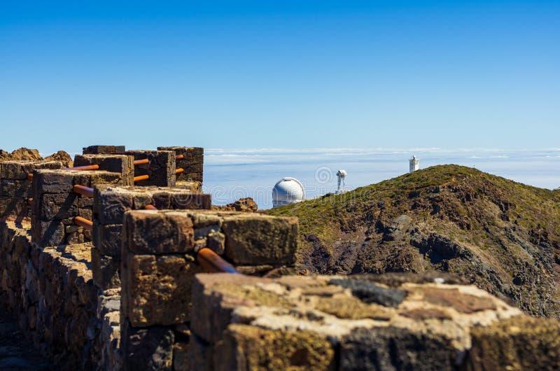 看法从在天文学观测所的洛克de los Muchachos观点天际的 免版税库存照片