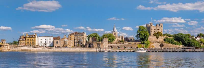 看法向横跨河梅德韦的历史罗切斯特 免版税库存图片