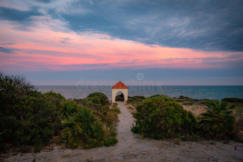 看法地中海从在佩尼伊斯科拉附近的海岸 免版税库存图片