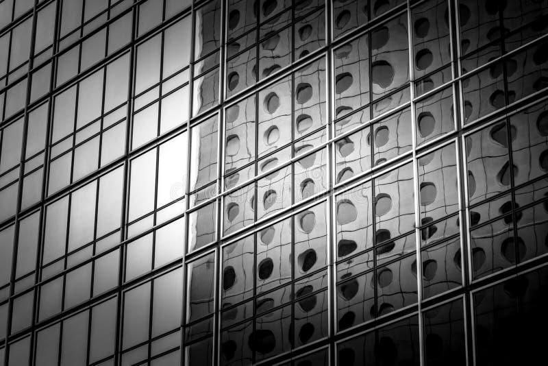 看法的现代商业大厦关闭 库存图片