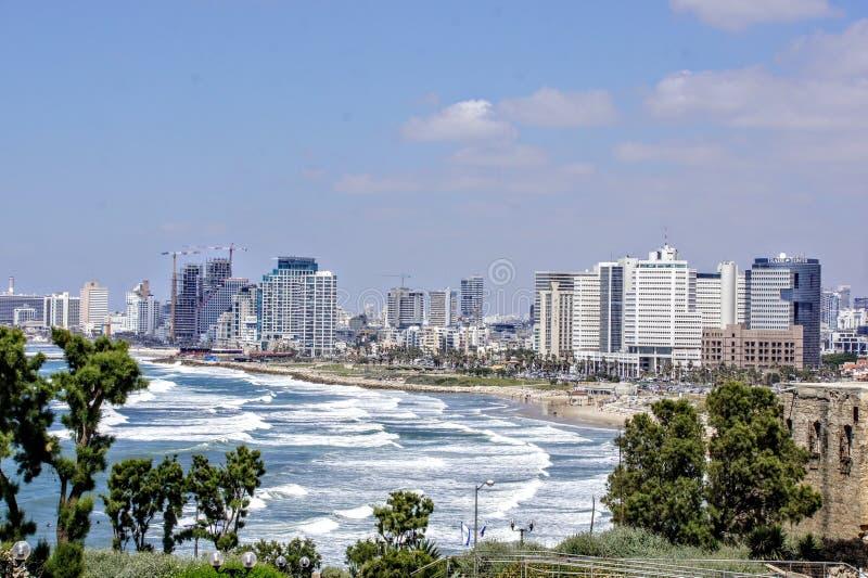 看法贾法角特拉维夫市和海滩 免版税库存图片