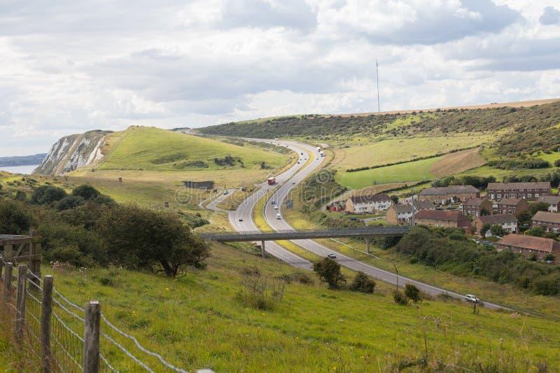 看法从上面对高速公路在多弗,英国 免版税库存图片
