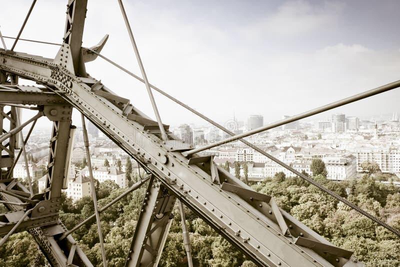 从看的维也纳鸟瞰图弗累斯大转轮Prater 图库摄影