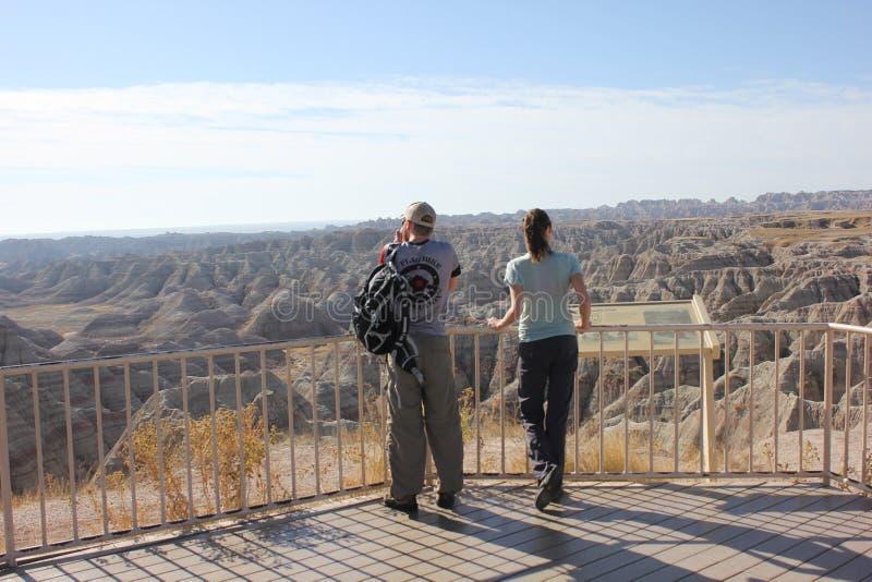 看荒地峡谷的夫妇 库存图片