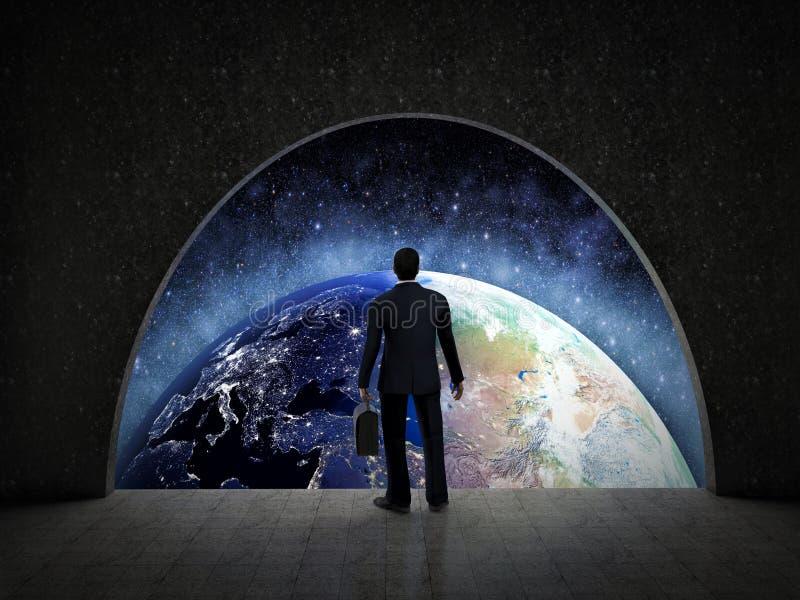 看行星地球的商人 企业概念查出的成功白色 库存例证