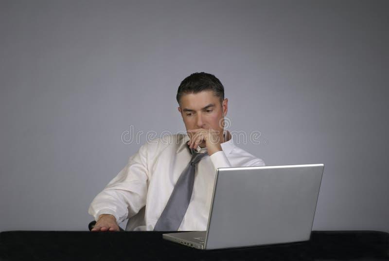 看起来男性企业的人员严重 免版税库存图片