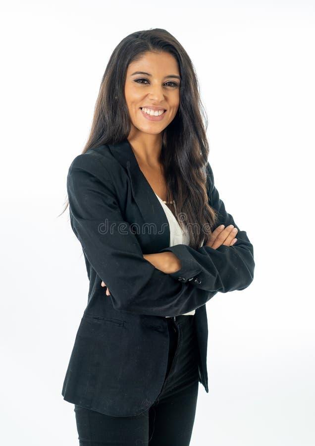 看起来确信愉快和成功在企业家的可爱的拉丁公司拉丁妇女全长画象创造性 库存照片