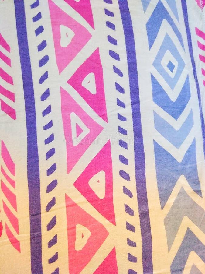看非常令人敬畏为礼物的明亮的DEZINER五颜六色的使目炫墙纸对心爱 免版税库存图片