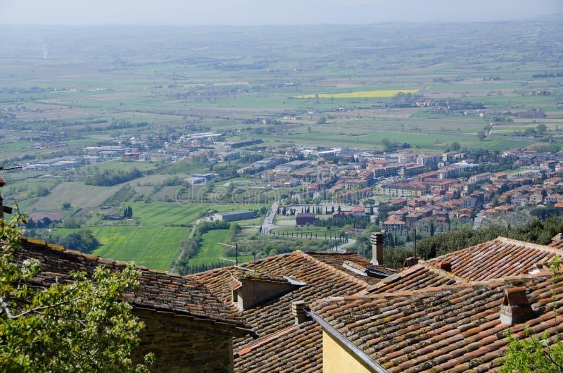 看从科尔托纳屋顶的Val d ` Chiana 图库摄影
