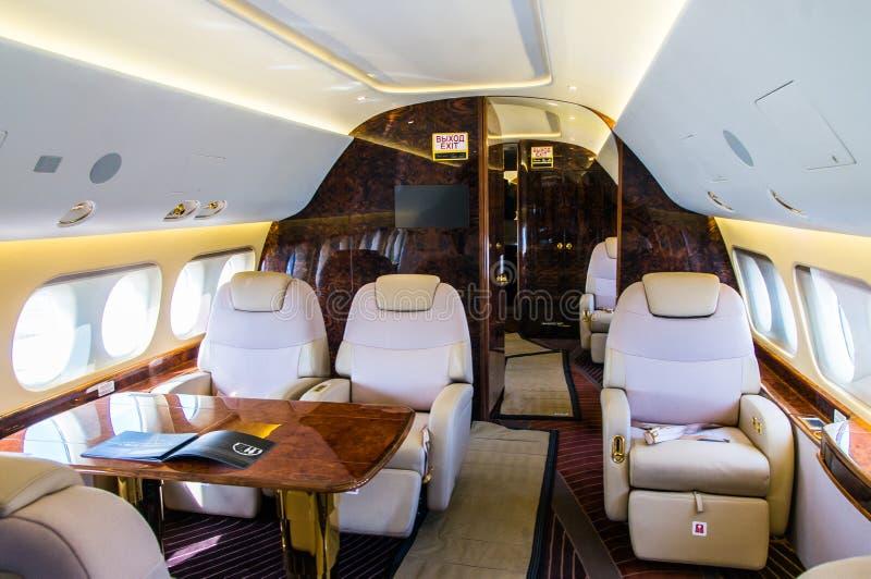 真皮豪华内部在现代企业喷气机的 免版税库存照片
