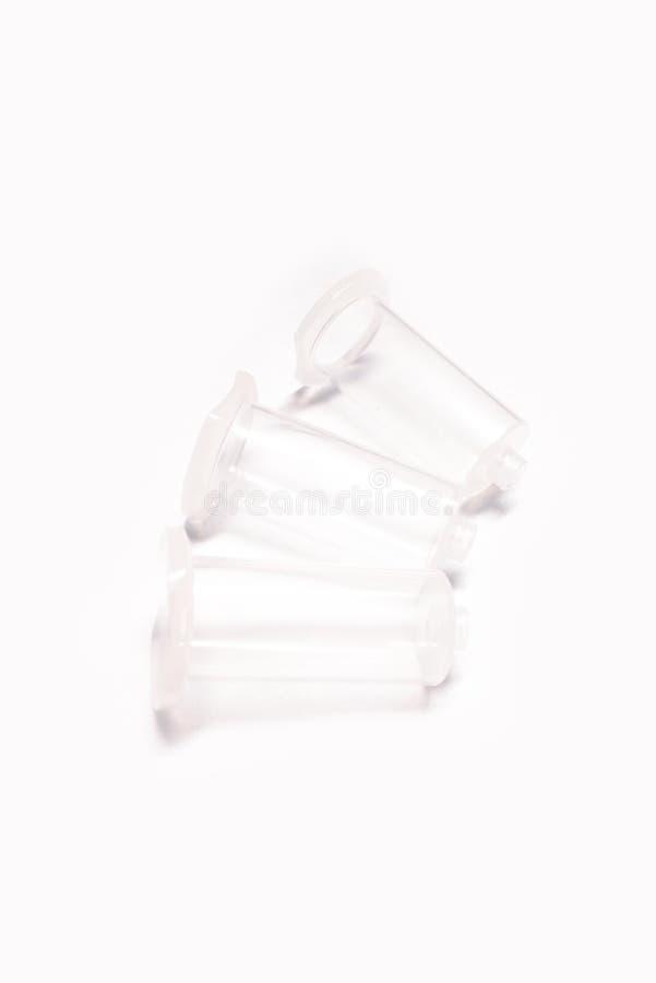 真空血液汇集管针在白色背景的持有人孤立 库存照片