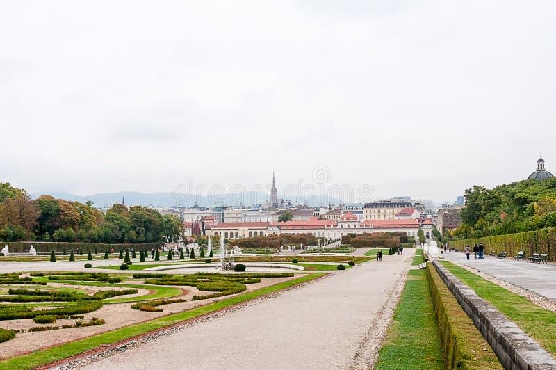 Download 眺望楼公园在维也纳 库存照片. 图片 包括有 旅行, 庭院, 假期, 宫殿, 布琼布拉, 欧洲, 城堡, 奥地利 - 62539856
