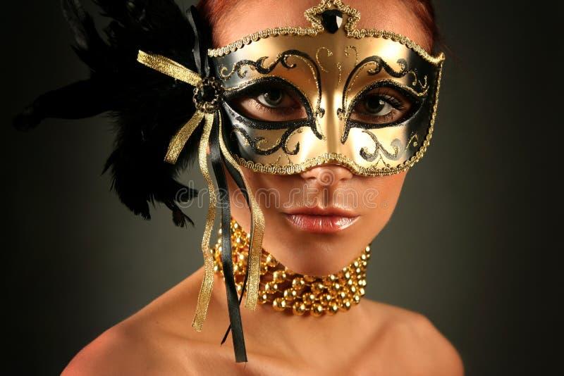 Download 眼睛 库存图片. 图片 包括有 面具, 服装, 隐藏, 隐瞒, 乐趣, 金黄, 花梢, 投反对票, 狂欢节 - 22350585