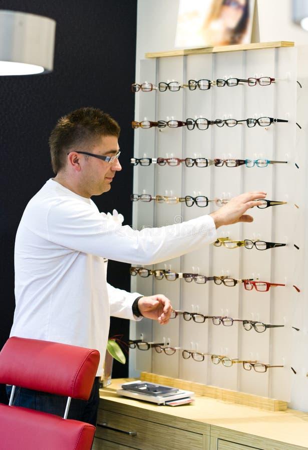 眼镜师 库存照片