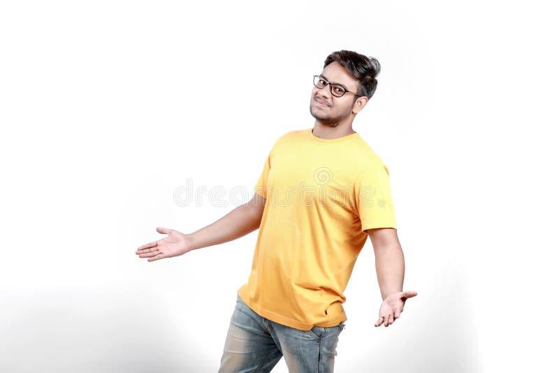 眼镜的年轻印地安人 库存图片