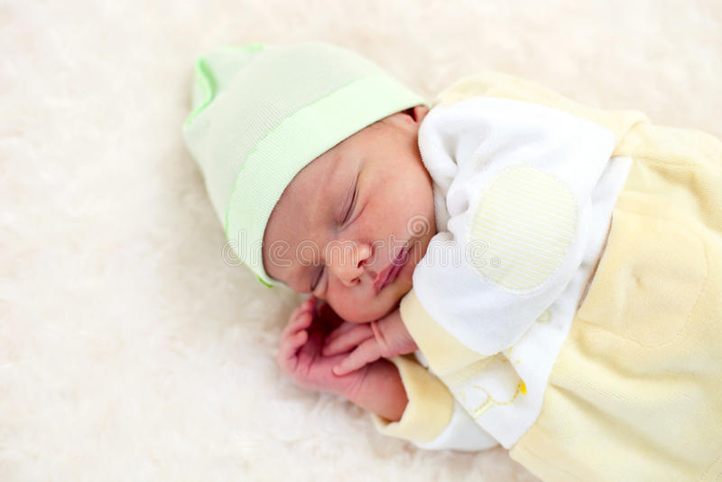 睡着的男婴老一个星期 图库摄影