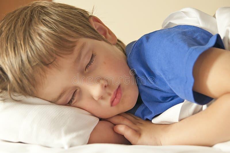 睡觉的孩子 库存照片