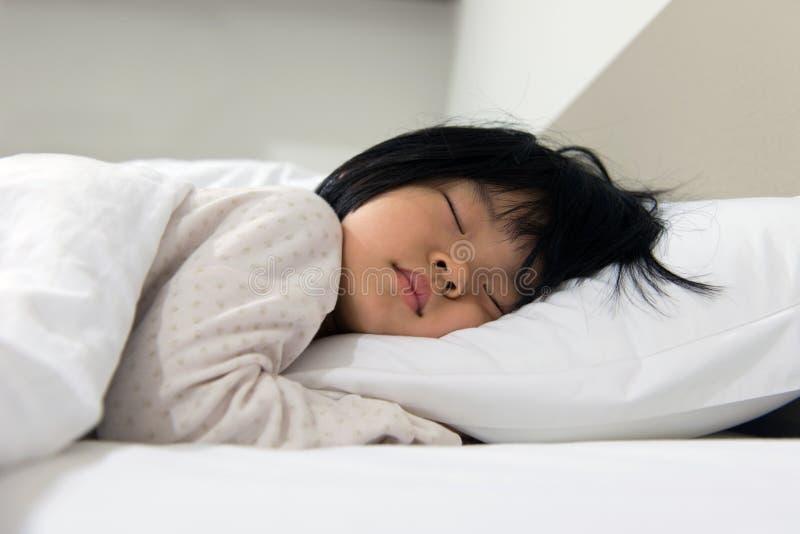 睡觉的孩子 免版税库存图片