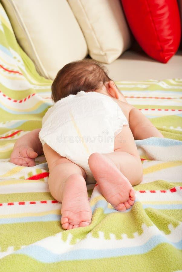 睡觉的男婴 图库摄影