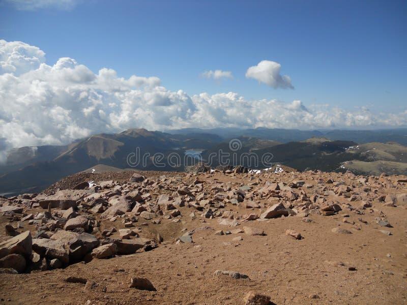 矛高峰科罗拉多泉岩石上面  库存照片