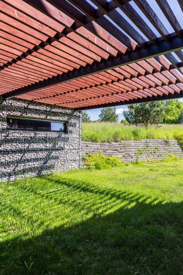 石墙和木棚子 库存照片