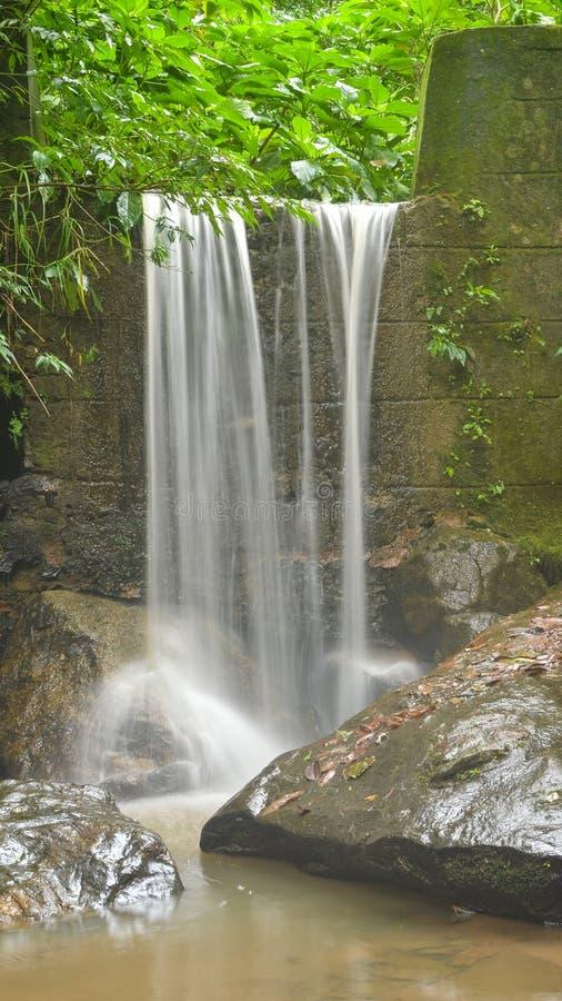 石墙瀑布 库存照片