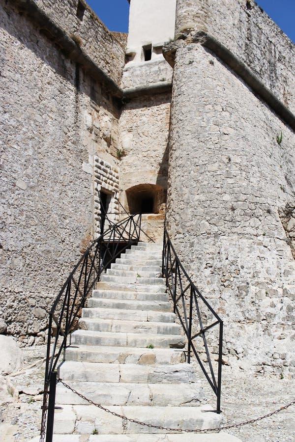 石头古老博物馆在安地比斯法国 免版税图库摄影