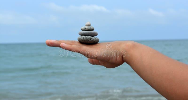 石头在手边 库存照片