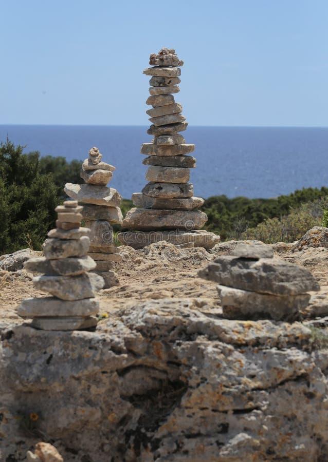 石头在马略卡海岛的南海岸登上  库存图片