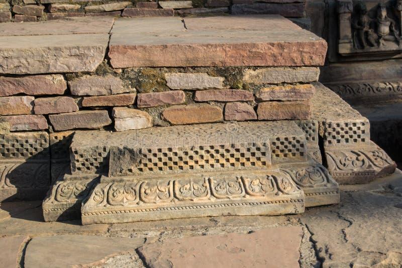 石头寺庙被雕刻的垫座  免版税库存照片