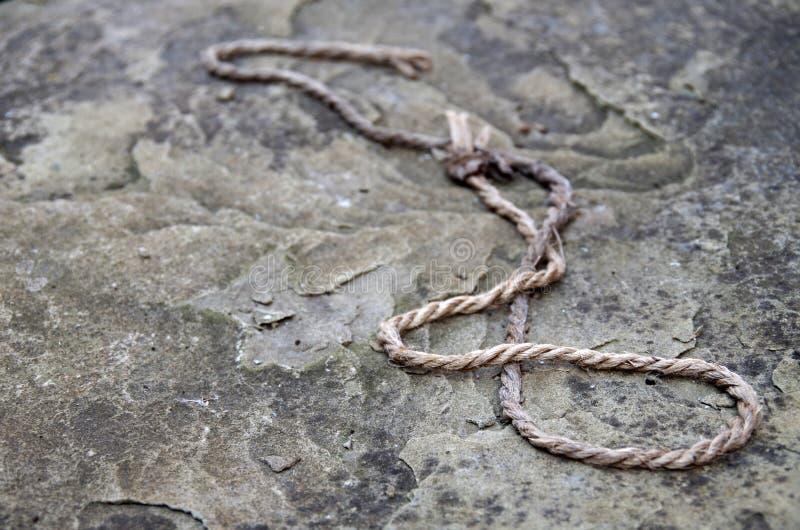 石头的绳索 免版税库存照片