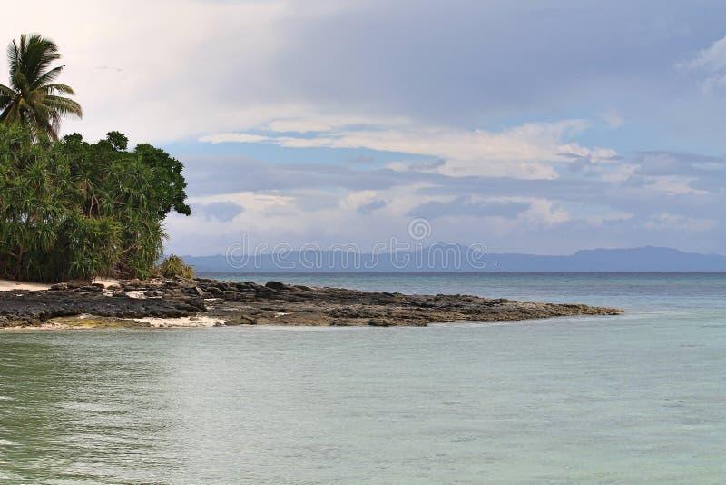 石头近海处在海岛 库存图片