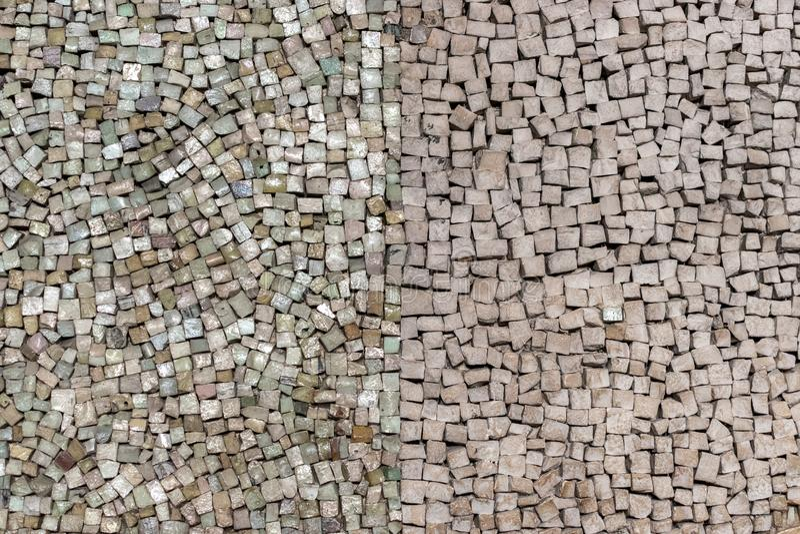 石头铺磁砖在墙壁上的马赛克 图库摄影