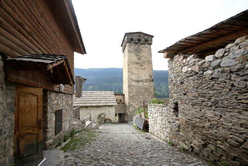 石房子和Svan塔在Mestia 免版税库存图片