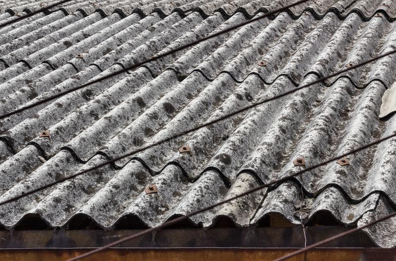 石棉屋顶 库存照片