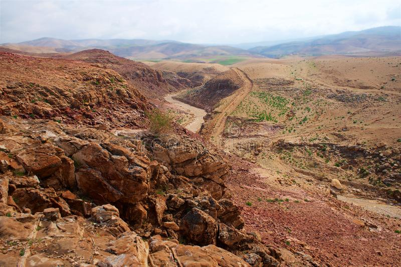 石沙漠在中东约旦 免版税图库摄影