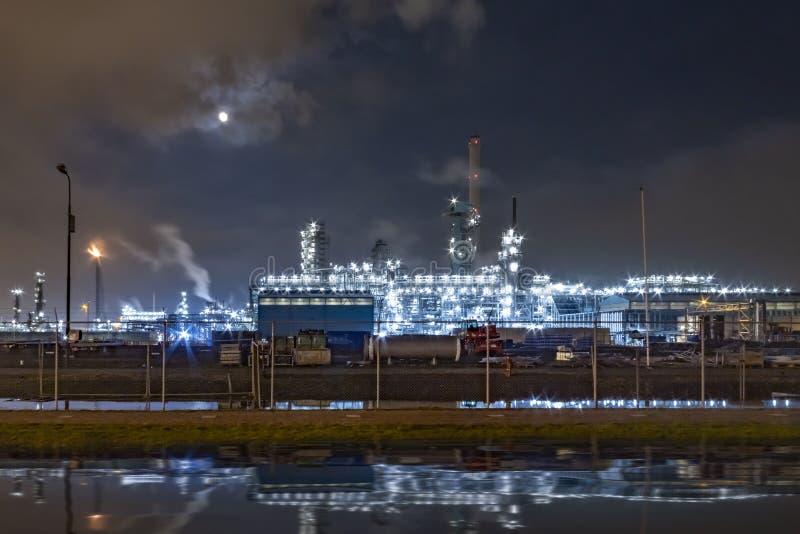 石油化学制品和精炼厂 图库摄影