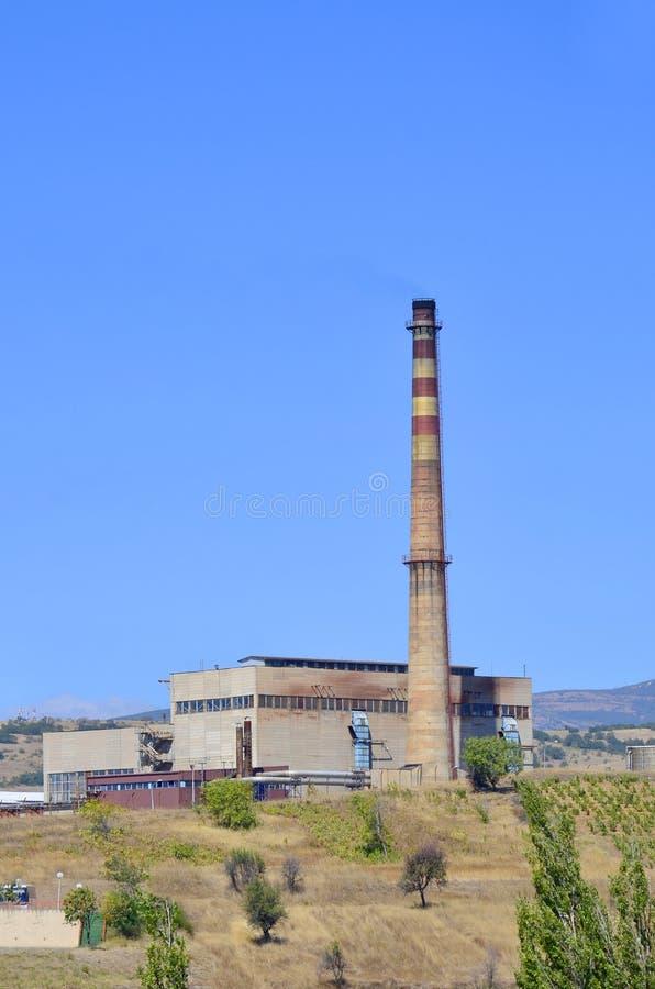 石油化学的工业rafinery烟囱 免版税库存图片