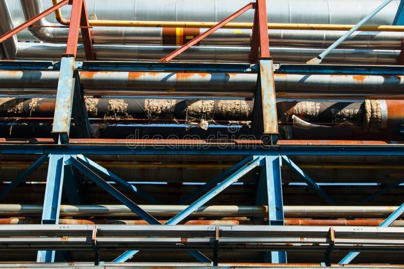 石油精炼的设备 免版税库存图片